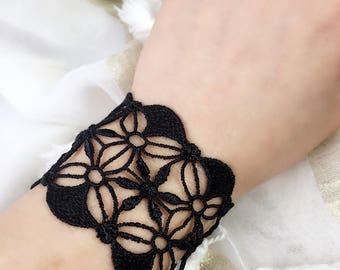 Vintage Black Lace Gothic bracelet