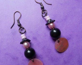 pair of pearly pink and Pearl Earrings