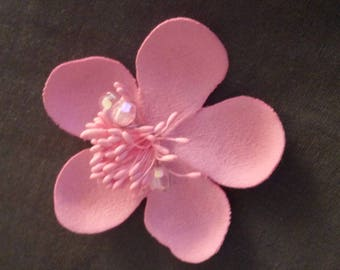 Sewing, faux suede pink color flower brooch