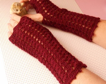 Burgundy fingerless gloves hand crocheted