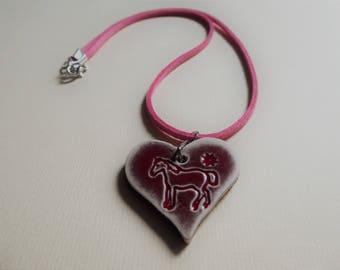 heart pattern horse shape pendant necklace