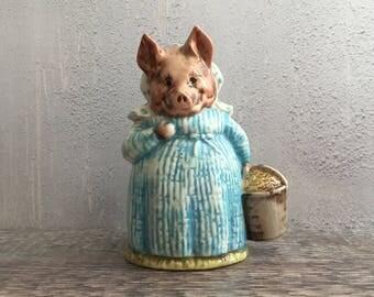 Pig Figurine - Beatrix Potter Vintage Figure - Aunt Pettitoes Ornament - Beswick Pig Figurine - Beatrix Potter Aunt Pettitoes Figurine