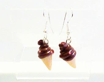 Earrings, mini to the Italian chocolate ice cream cone.