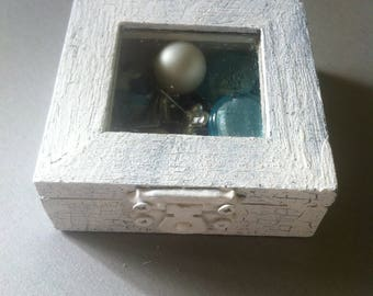 Small box for jewelry