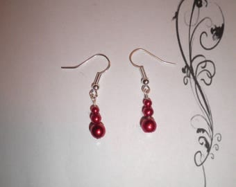 00546 - Earrings with red pearls
