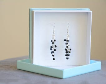 Black square beads earrings