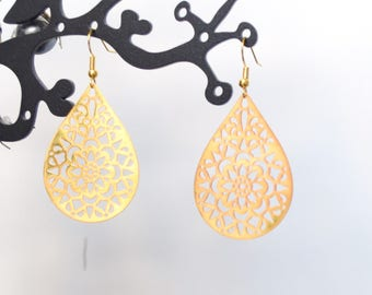 Light gold earrings
