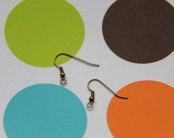 The pair of medium bronze hook earrings