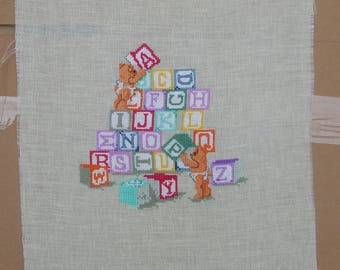 embroidery bear cubs playing cubes