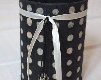 Pencil holder (No. 109) dyed black with polka dots