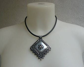 Victorian diamond worked silver necklace