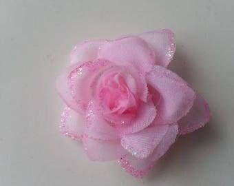 fleur  en tissu pailletée  rose  50mm