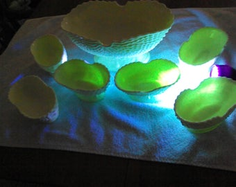 LG Wright Footed Uranium Glass Bowls / Fruit Bowls / Nautilus Pattern / 7 Pieces