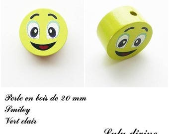 Wooden bead of 20 mm, flat bead, smiley face: light green