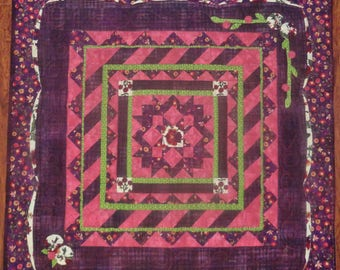 Pretty in Pink, quilt table topper
