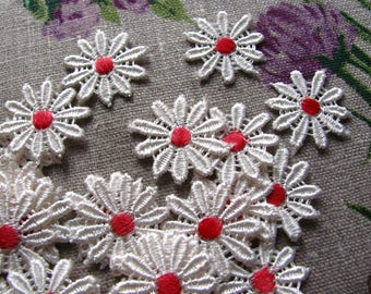 Guipure cream and red flowers - 10 pieces