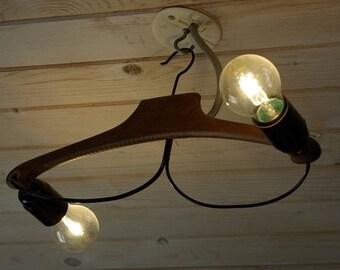 Cintre en bois suspension