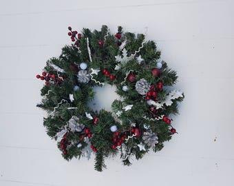 Christmas//wreath//door pendant//gift//handmade//red berries//stars//Art green//white decorations//Thanksgiving//Christmas//
