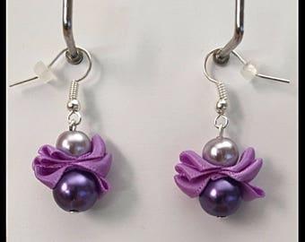 Earrings purple glass beads and satin