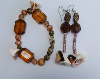 Bracelet and earrings made w/ shells and brown beads