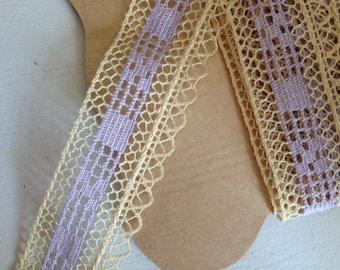 Antique lace bobbin bicolor (off-white and purple)