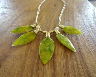 Necklace feathers green and Golden style navajo - ethnic