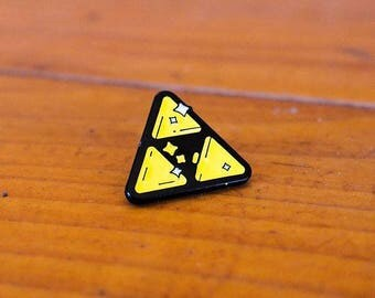 Golden Power / Tri-force / Zelda / Nintendo Enamel Lapel Pin
