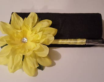 Flower pen/Bright yellow in color/special occasions/Signing pen/Guest Book pen