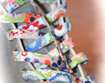 LACE FLOWERS FLORAL BLUE SNEAKERS / MULTICOLOR