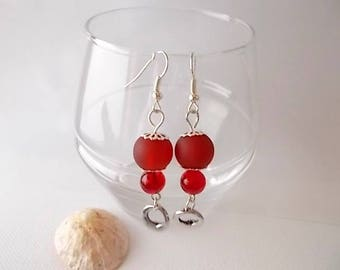 "designer jewelry earrings unique ""frosted"" red, Red frosted glass, Crackle glass beads"