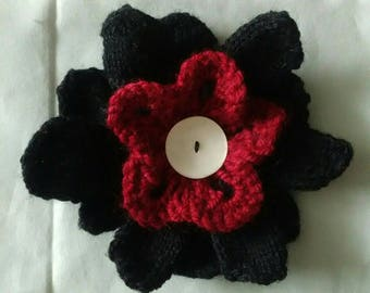 Flower brooch red and black petals