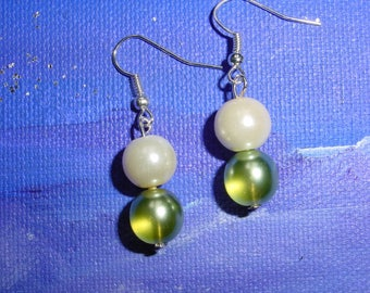 Ivory and green glass beads earrings