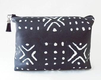 Gifts for her, Wash bag, Mud cloth, bogolan, bogolanfini print, african, travel bag, cosmetic bag, zip bag.