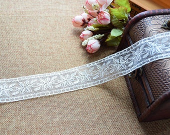 Organza embroidered lace Largeur3.5cm L035004