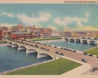 Des Moines, Iowa Vintage Postcard - Des Moines River, Des Moines Bridges