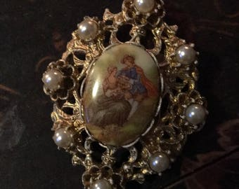Gorgeous vintage colonial brooch or necklace