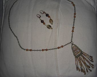 Yellow and gold seed beads pendant necklace and earrings