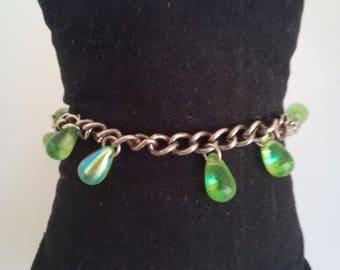 Adjustable handmade bracelet made with drops Green