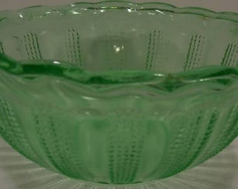 Indiana Glass Diamond Points Column Pattern Green Depression Glass Bowl