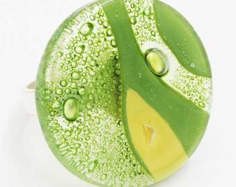 Green round glass ring