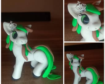 Homemade horse from Fimo, horse from Polymerclay.