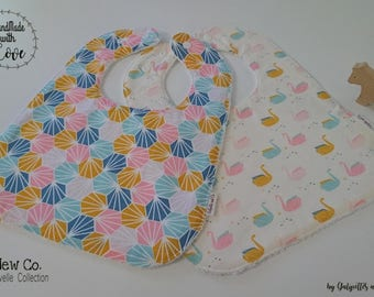 Set of 2 bibs 2nd Age (6 months and +)