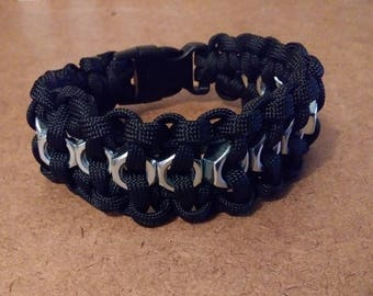 Male paracord bracelets