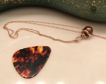 Chocolate pearl pendant in 14k rose gold.