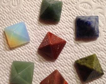 7 Chakra Pyramid set - Reiki
