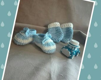 Box, baby boy 0-3 months. Baby booties, mittens, crochet yarn made main.bapteme, anniversary, birth, Christmas, new year