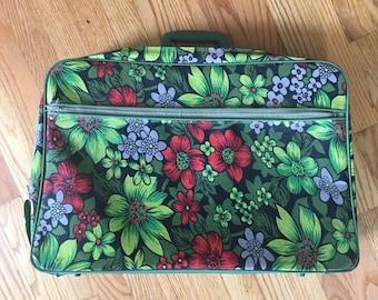 Vintage 1960s Bantam Travelware Suitcase Travel Luggage | Canvas | Has Key Missing Lock | Weekend Getaway Vacation Tourist Hippie Overnight