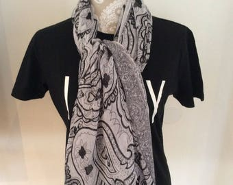 Retro Black & White Flower Design Scarf