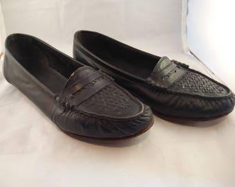 Vintage Oldmaine Trotters penny loafers