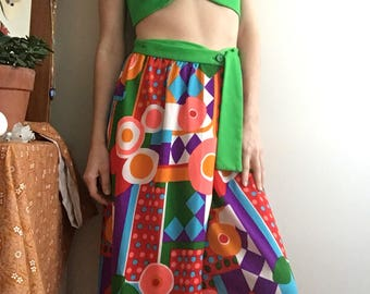 1970's 2 piece set geometric maxi wrap skirt and emerald green halter top • Hippie • Groovy • Retro • Colourful • Bohemian • Fun • Cute •